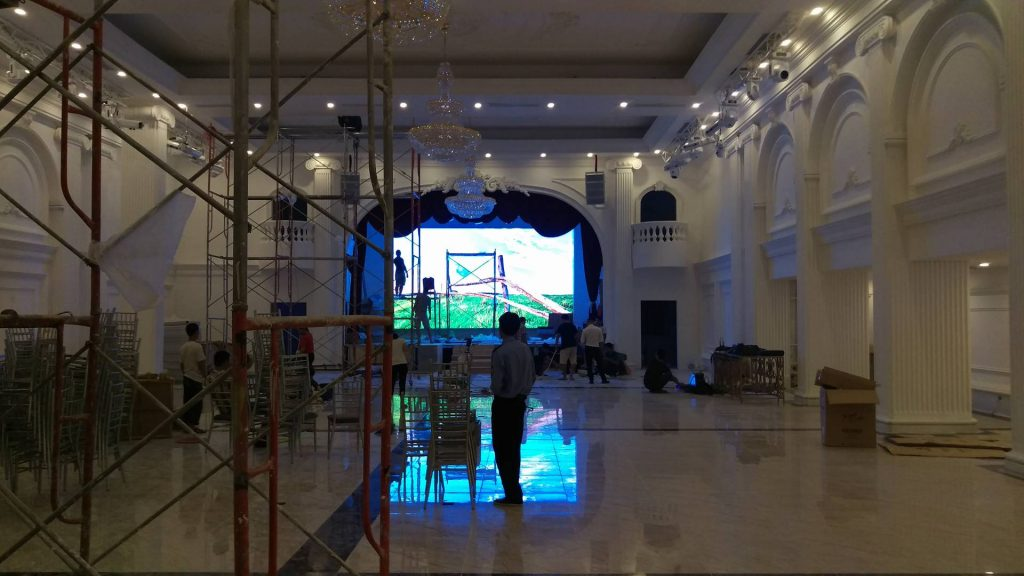 HacoLED cung cấp thi công lắp đặt và cho thuê màn hình LED tiệc cưới